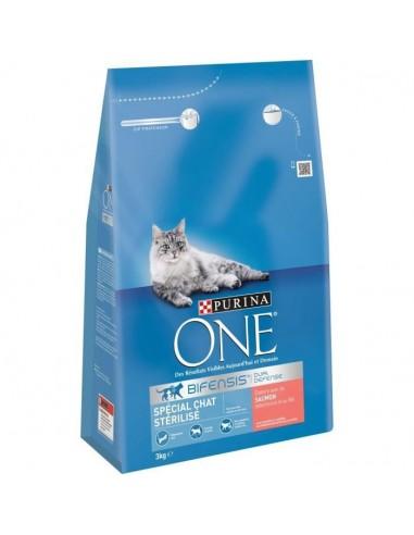 PURINA ONE Croquettes au saumon et au blé  Pour chat adulte stérilisé  3 kg